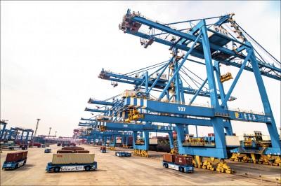 中國2月出口年減逾2成 3年最大減幅