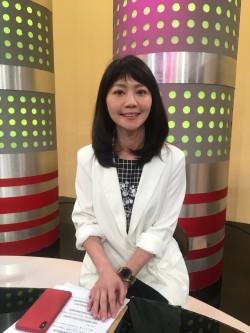 高嘉瑜沒公主頭飆高收視 同框小12歲學姊網讚:沒輸唷!