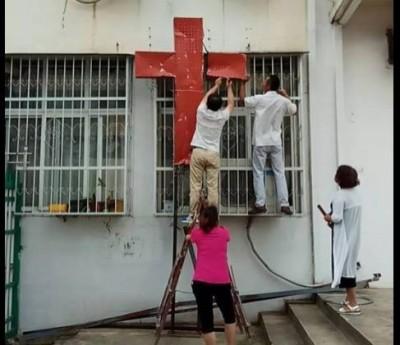 中國迫害宗教悲歌 惡警拆房洗劫、數百信眾被迫露宿山林