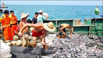 月索百萬掩護中國漁船越界 3海巡官判刑入獄