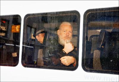 庇護終止 維基解密創辦人被捕