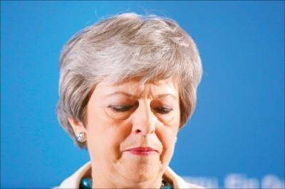 英地方選舉 朝野兩大黨慘敗