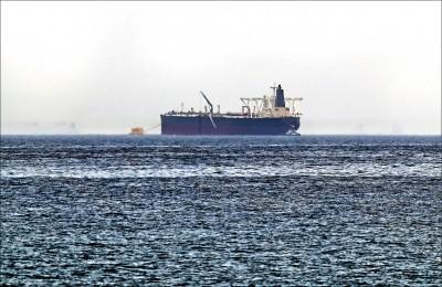 2油輪4商船 阿聯外海遇襲