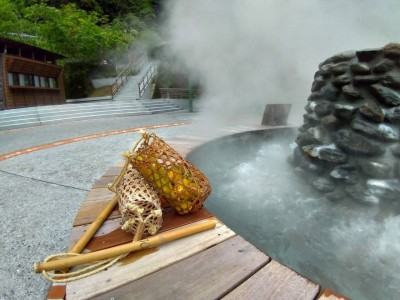 太平山鳩之澤煮蛋區21日啟用 泡藍色溫泉還可免費嚐溫泉蛋