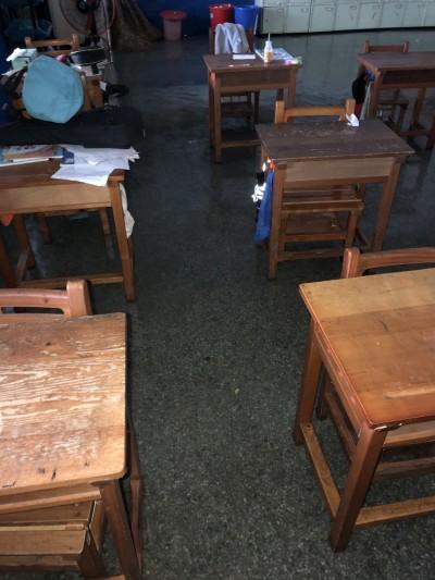 大雨淹進教室 桃園大坡、笨港國小宣布停課