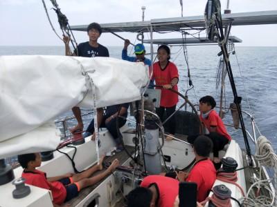 最狂畢典!琉球之子要畢業 獨木舟到重型帆船都要能環島