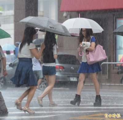 雨勢趨緩!9縣市大雨特報 屏東需慎防豪雨