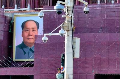 中國全面監控 大規模民主運動難再現