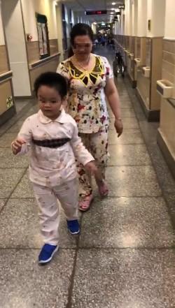普悠瑪翻車重傷7個月... 7歲謝小弟自己跨出一大步