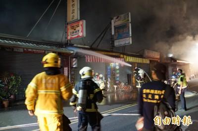 斗六市區暗夜火警 警笛響徹夜空