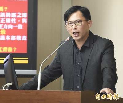 今晚直擊屏東養雞場 黃國昌:這土地還有公平正義嗎?