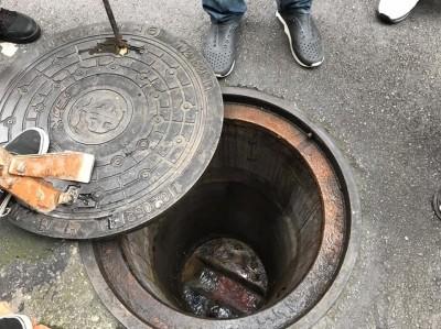強降雨污水排放不及 新北市議員會勘盼新莊施工補救