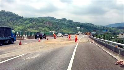 清理國道散落物 7月起收費