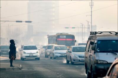 《中英對照讀新聞》Toxic air 'tears apart' families in Mongolia 毒空氣「拆散」蒙古人家庭