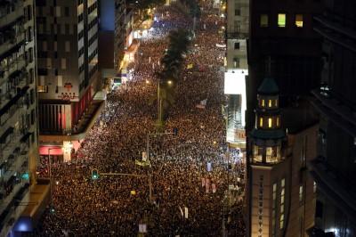 反送中》200萬人和平示威 外媒:應提名諾貝爾和平獎