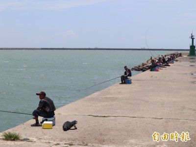 台中港北堤 可望今年9月底全線開放釣魚!