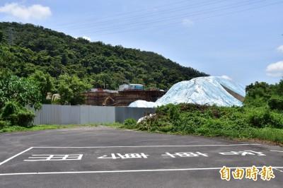 礁溪遠雄悅來飯店工地赫見「小山」 民眾憂影響居住安全