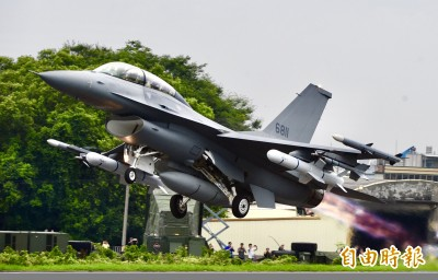 美售台F16先進構型!專家:對共機殲20構成威脅