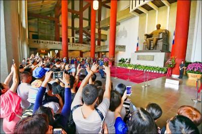 多次聲稱增加中客訪藍營縣市 如今全面喊停》 學者:中國對韓的承諾是假的?
