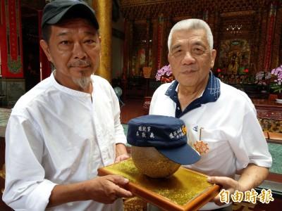 韓國瑜明訪南投 這廟秀「吳不選」帽子神諭