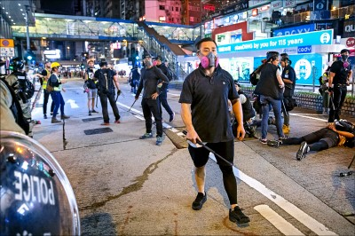 抗議港警濫權 無限期三罷