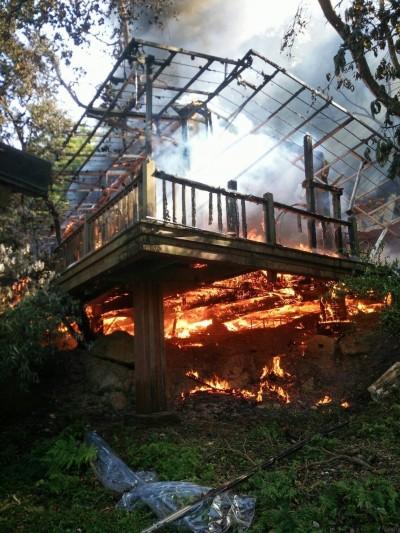 知名「優人神鼓」劇場木屋遭焚毀 起火原因待查
