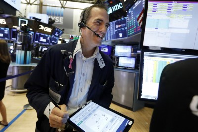 美股4大指數大漲!道瓊收高306點 費半狂飆近3%