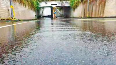 時雨量89毫米 七堵堵南1-1地下道一度封閉