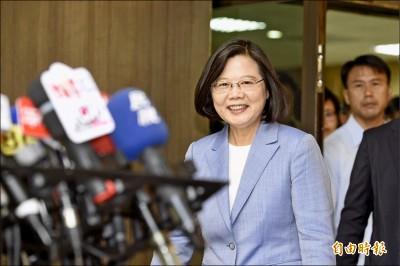 韓國瑜倡重啟核四 蔡英文:政策不是外包就可以