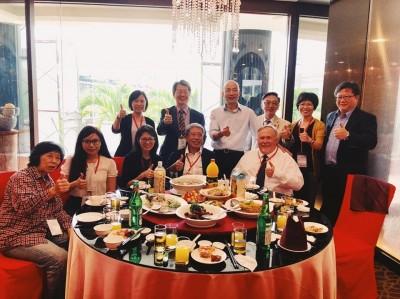 韓國瑜颱風天在飯店吃大餐?  陳宜民澄清只喝了一杯果汁