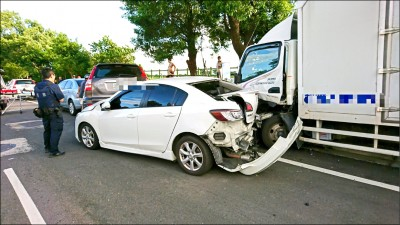 貨車飆速過彎 酒駕撞掃路志工 3死4傷