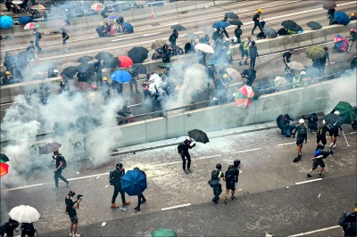 貿易戰牽制 川普指北京不敢鎮壓香港
