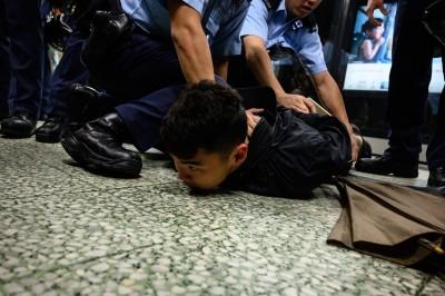 反送中》港今三罷、不合作塞交通 2示威者港鐵內被捕