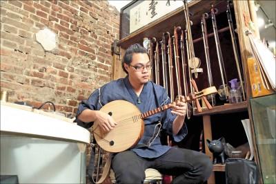 【千萬種故事】聆聽黃苡哲的「聲」活 讓台灣傳統音樂不被遺忘
