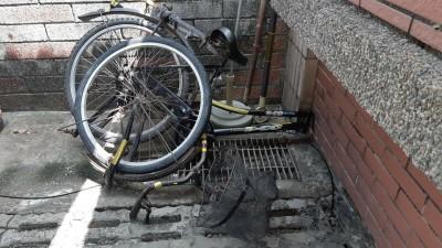 老翁逆向騎上快速道路遭撞身亡 腳踏車斷成3截
