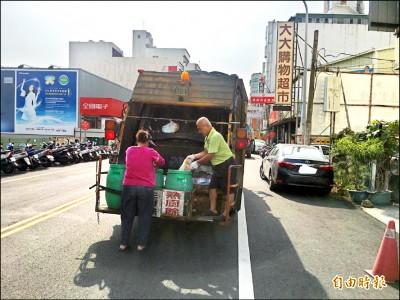 斗南垃圾車 每定點停留最少10分鐘