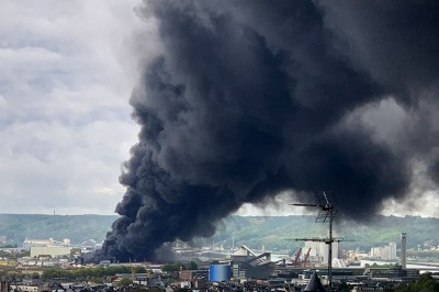 巴菲特旗下化工廠失火 黑煙沖天恐污染塞納河