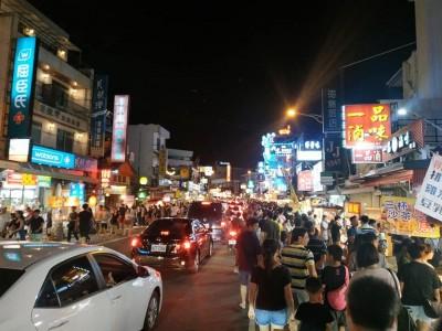 不靠中國十一!墾丁遊客逆勢成長 周末熱度不輸暑假