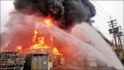 農地違建廠 燒出嚴重空污