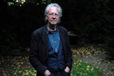 力挺巴爾幹屠夫 諾貝爾文學獎頒給「他」引來諸國批評