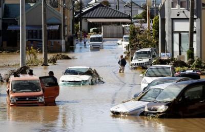 哈吉貝侵襲日本 福島核災廢物儲存袋流出