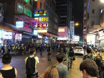 香港人反抗》不止1位!美最幼齒參議員霍利抵港觀察