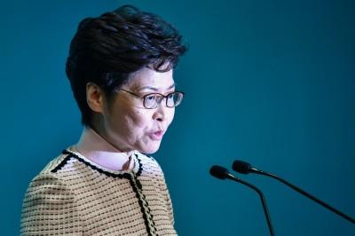 傳研擬官方記者證制度 林鄭否認:完全認同「第四權」