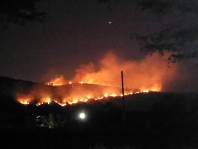 清水鰲峰山火燒山 大火蔓延甲南山區