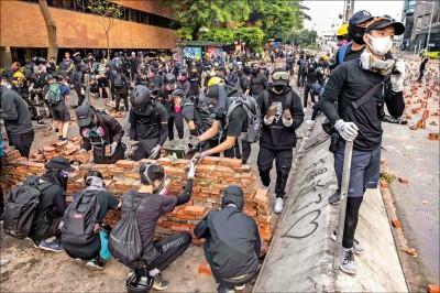 抗爭升溫 習海外發聲挺港警