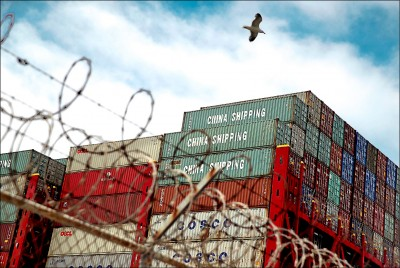 貿易協議又卡關 美嚴審輸港軍民兩用產品