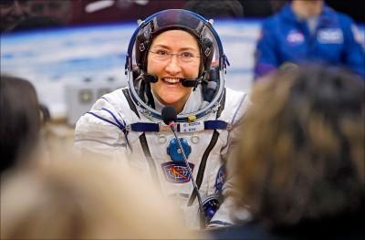 太空漫遊290天 科克創女性紀錄