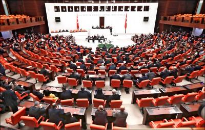 土耳其通過派兵利比亞1年 各國譴責