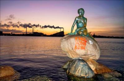 丹麥小美人魚 遭噴「光復香港」