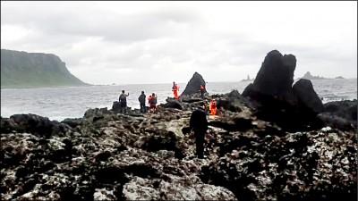 蘭嶼3海釣客落海 1游上岸2失蹤